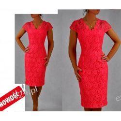 Śliczna sukienka z koronki Crucyfied koral 44