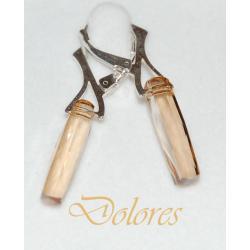 Srebrne kolczyki z kolumną z kryształu Swarovskiego Golden Shadow na zamkniętych biglach Na rękę