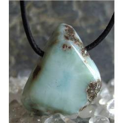 Talizman z najczystszego pektolitu - kamień z mitycznej zatopionej Atlantydy