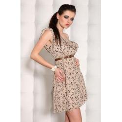 Zwiewna beżowa sukienka na jedno ramię z paskiem
