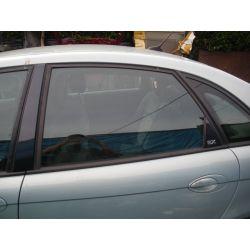 Szyba drzwi lewa tył tylna Citroen C5 02r. sedan