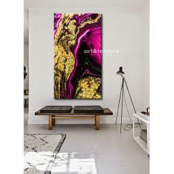 Złocona fuksja - abstrakcyjne obrazy do modnego salonu