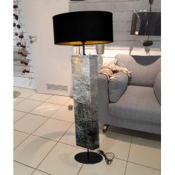 Kamień i złoto - modna lampa podłogowa w stylu eklektycznym