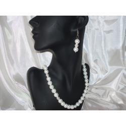 K-00003 Kolczyki z perełek szklanych białych