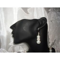 K-00004 Kolczyki z perełek szklanych białych