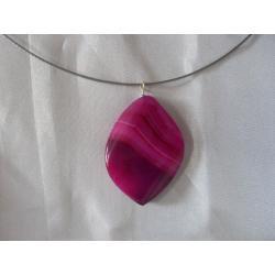 N-00022 Naszyjnik z agatu w kolorze fuksji
