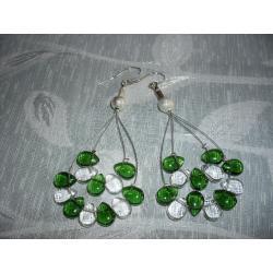 K-00077 Kolczyki z zielonymi i przezroczystymi łezkami