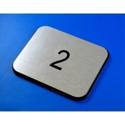 Numer, numery wycinane w DIBOND 8 x 10 cm  B