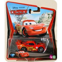 ZYGZAK (org. Lightning McQueen) z bajki CARS 2 produkcji DISNEY PIXAR MATTEL W1941
