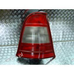 Mercedes A-klasa lift prawa lampa tył biały kierunek