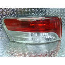 Toyota Avensis T27 lewa lampa tył