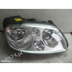 VW Touran prawa lampa przód przednia