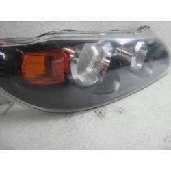 Nissan Almera N16 prawa lampa klosz