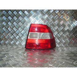 Opel Vectra B prawa lampa tył sedan