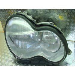 Mercedes C-klasa prawa lampa oryginał reflektor