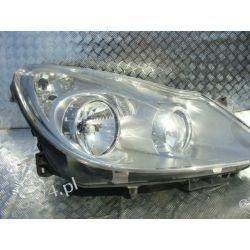 Opel Corsa D prawa lampa przednia