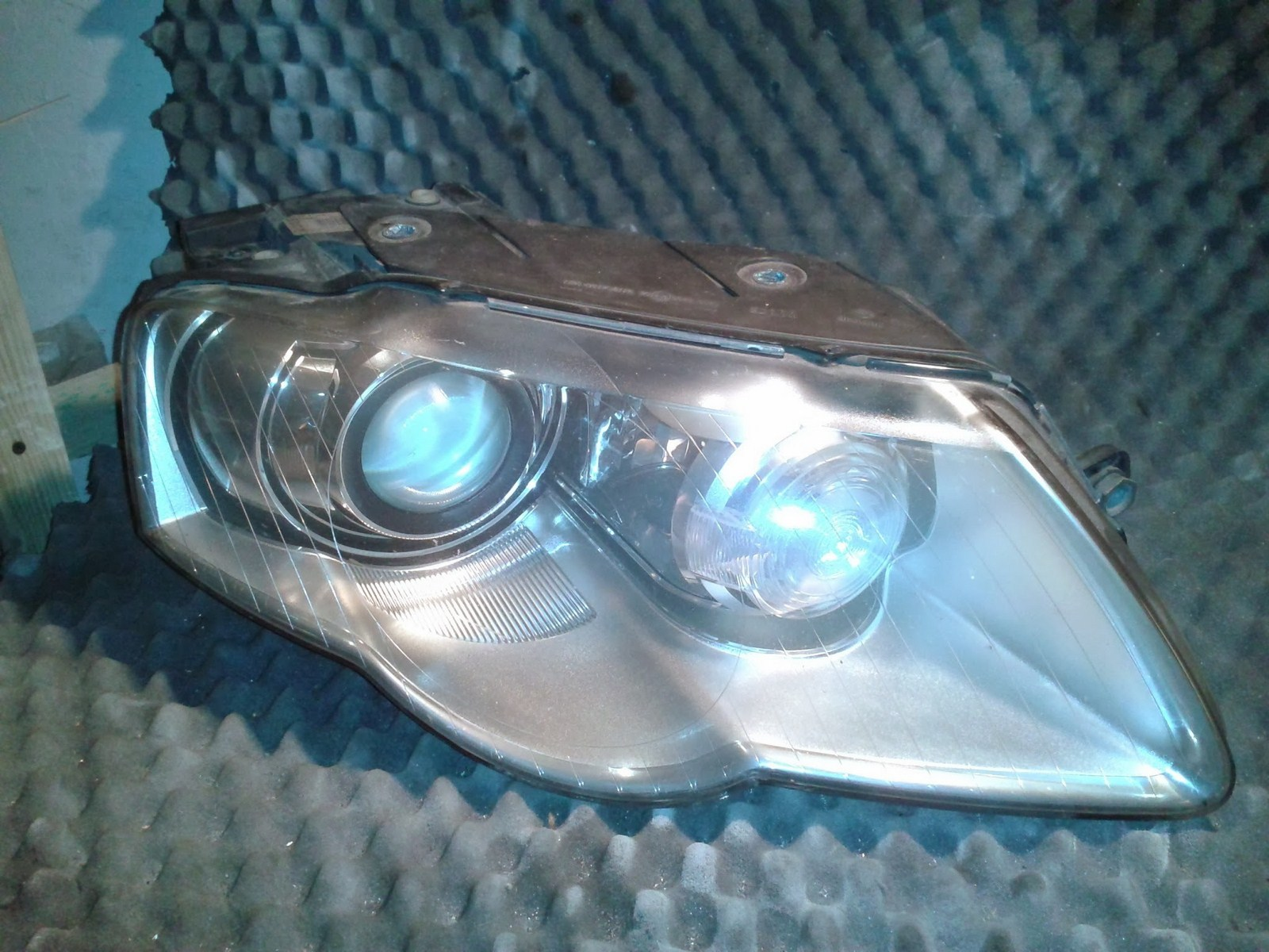 Vw Passat B6 Lampa Przednia Prawa Xenon Reflektor Naprawa I