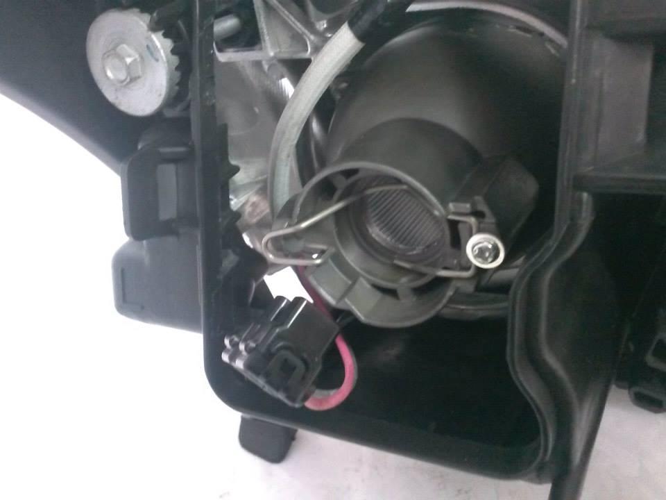 Toyota Avensis T25 Lewa Lampa Przednia Oryginał Części