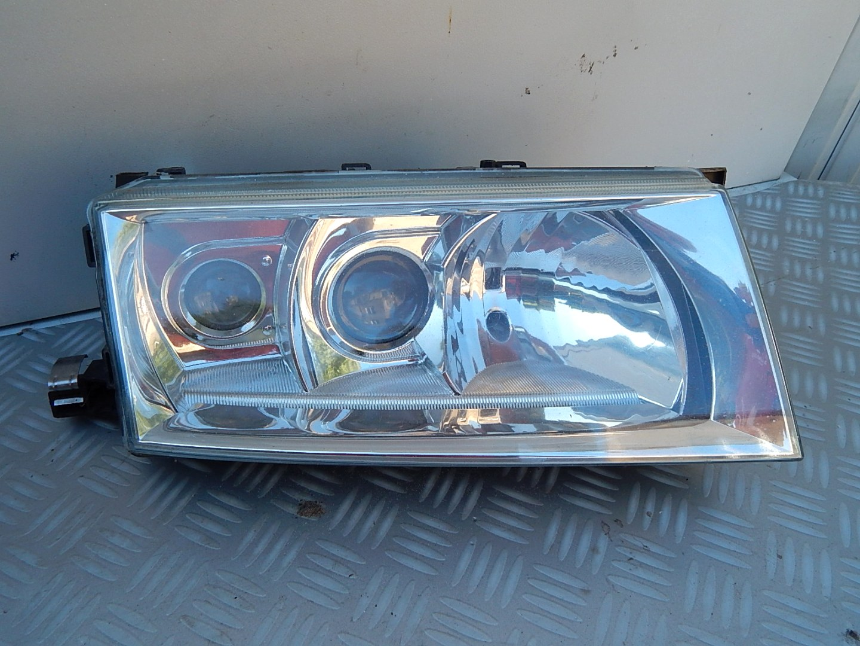 Skoda Octavia 1 Lift Xenon Prawa Lampa Przód Części