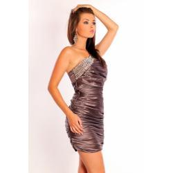 1001-8  Elegancka sukienka marszczona na jedno ramię z kamieniami - brąz...