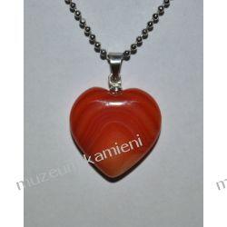 Piękny wisior w kształcie serca z agatu W082