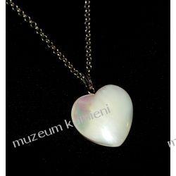 Piękne serduszko - wisior z masy perłowej W009