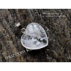 Serduszko - piękny wisior z kryształu górskiego W023