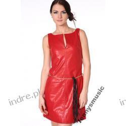 Uwodzicielska seksowna czerwona skoropodobna sukienka