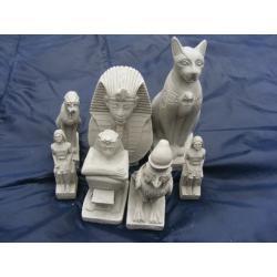 Siedem figurek egipskich
