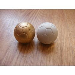 Piłka ,piłeczka -3cm-gipsowa