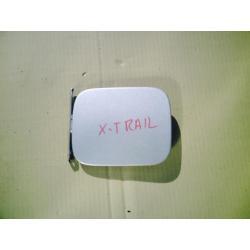 Klapka wlewu paliwa Nissan X-trail rok 2003-2007