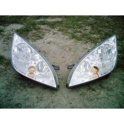 Komplet reflektorów Mitsubishi Colt 2004-2007...