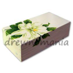 drewniana szkatułka z motywem magnolii