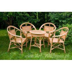 Meble ogrodowe z wikliny, stół i cztery krzesła
