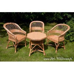 Meble ogrodowe z wikliny, stół i trzy fotele