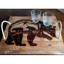 Drewniana, ręcznie wypalana taca z motywem niedźwiedzi i gór