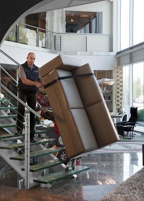 wnoszenie mebli po schodach