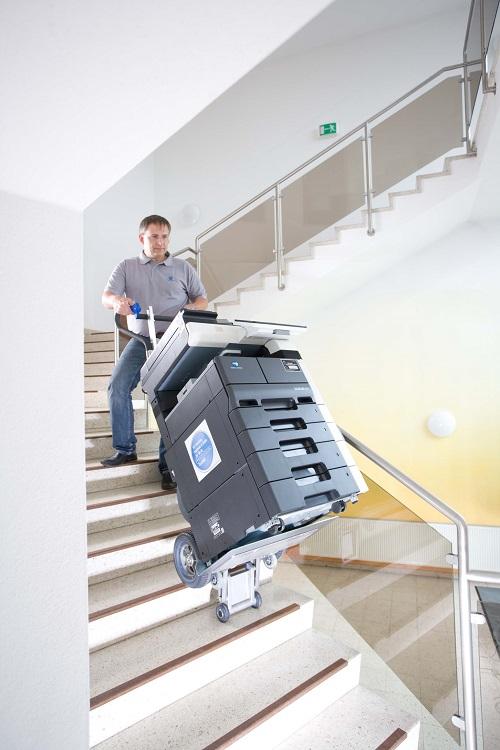 transport kopiarek po schodach
